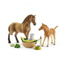 Набор Schleich Детеныши животных в конюшне