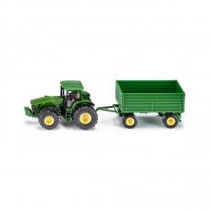Трактор John Deere с прицепом