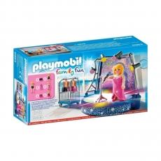 Певица со сценой Playmobil