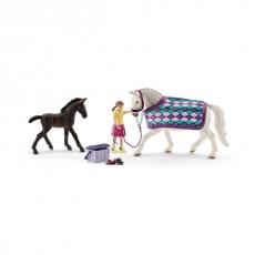 Набор Schleich Уход за Липпицианской лошадью и жеребенком