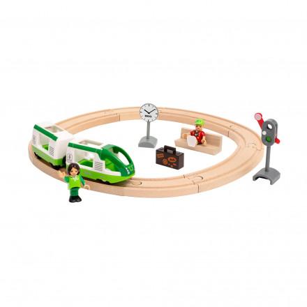 Круговая железная дорога Brio с зеленым поездом
